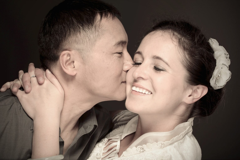 Azjatycki randka biały facet